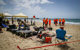 Rescue forces searching for 14-year-old Yehuda Bilog who went missing at the sea in Ashdod, June 4, 2020. (Flash90)