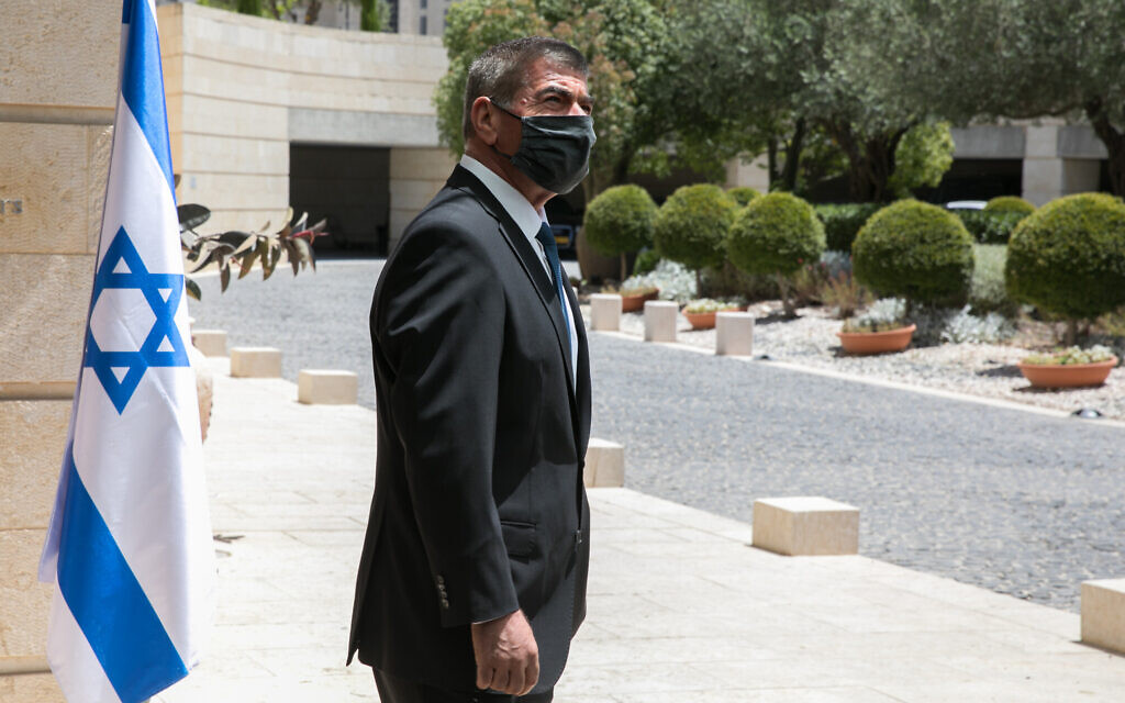 Foreign Minister Gabi Ashkenazi meets at the Foreign Ministry in Jerusalem on June 10, 2020. (Olivier Fitoussi/Flash90)