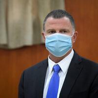 Health Minister Yuli Edelstein in the city of Bnei Brak on June 16, 2020. (Flash90)