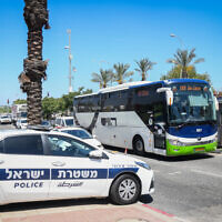A police checkpoint at the entrance to Elad, June 24, 2020. (Flash90)