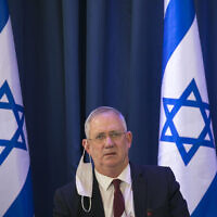 Defense Minister Benny Gantz at the weekly cabinet meeting at the Foreign Affairs Ministry on June 28, 2020. (Olivier Fitoussi/Flash90)