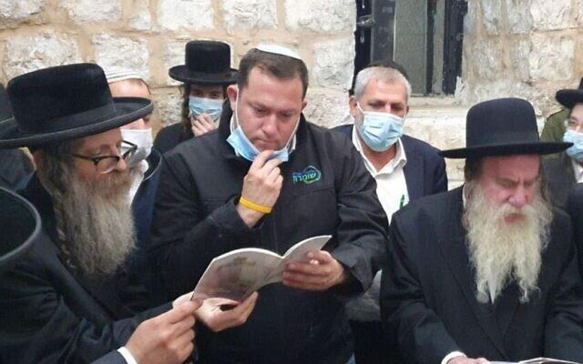 Yossi Dagan, head of the Samaria Regional Council, visits Joseph's Tomb, June 23, 2020 (Roi Hadi)