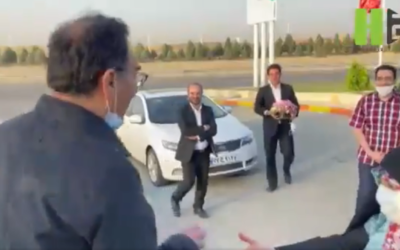 Iranian scientist Sirous Asgari (L) is greeted as he returns to Iran after being freed by the US, June 3, 2020. (Screenshot: Twitter)
