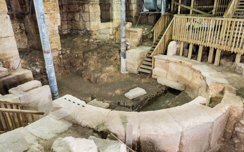 Excavations at Wilson's Arch, under the Jerusalem Old City. (Assaf Peretz/Israel Antiquities Authority)