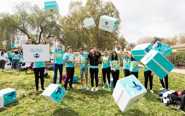One of the activities held during the year for Latet teens, a non-profit organization that will hold a sleepaway experience in July 2020, with help from the Summer Camps Israel forum (Courtesy Latet)