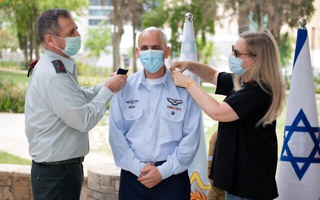IDF Brig. Gen. Tal Kalman (center) is promoted to the rank of major general on June 18, 2020. (Israel Defense Forces)