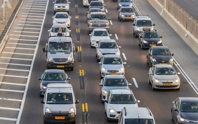 A traffic jam on Highway 2 (the coastal road) near Netanya, northern Israel, October 22, 2019. (Flash90)