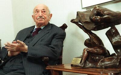 Austrian Nazi hunter Simon Wiesenthal during an event in Vienna, March 19 1999. (Ronald Zak/AP).