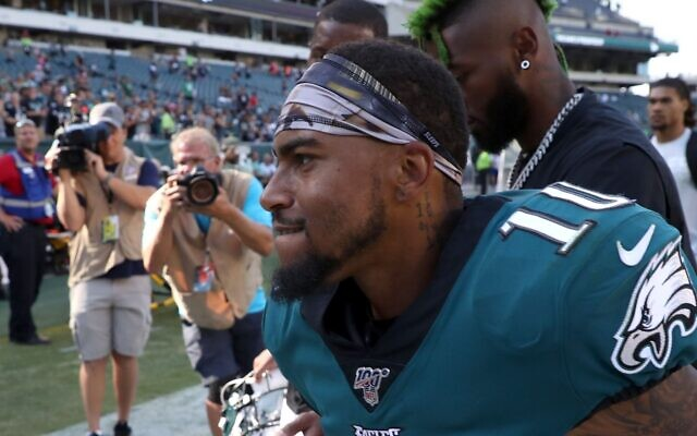 Philadelphia Eagles wide receiver DeSean Jackson on the sidelines of Lincoln Financial Field in Philadelphia, on September 8, 2019. (Rob Carr/Getty Images)