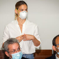 Israeli supermodel Bar Refaeli arrives for a court hearing at the Tel Aviv Magistrate's Court, July 20, 2020. (Yariv Katz/POOL)