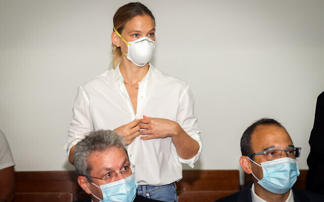 Israeli supermodel Bar Refaeli arrives for a court hearing at the Tel Aviv Magistrate's Court, July 20, 2020. (Yariv Katz/POOL)