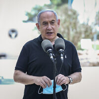 Prime Minister Benjamin Netanyahu visits an IDF Northern Command base in Safed on July 28, 2020. (David Cohen/Flash90)