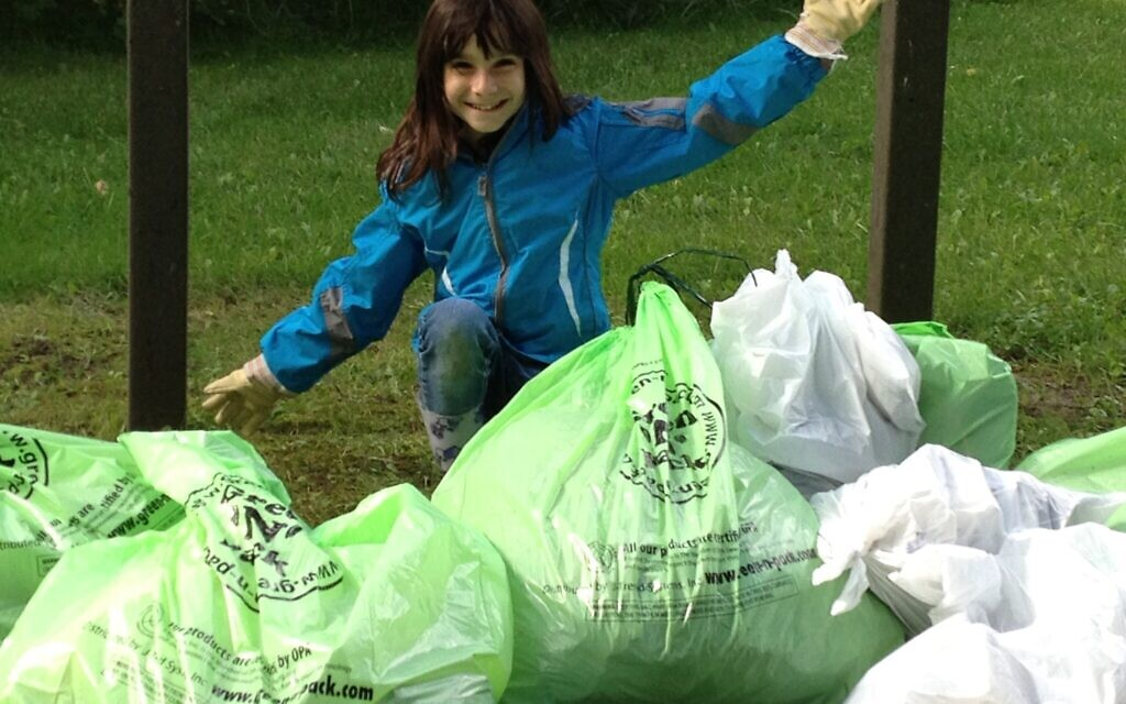 Hannah Alper takes part in the Great Canadian Shoreline Cleanup, in Richmond Hill, Ontario, September 2012. (Courtesy)