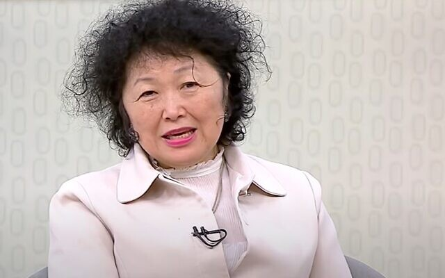 Nise Yamaguchi appearing on Brazilian TV, in a segment that aired on July 5, 2020. (screen capture: YouTube/TvBrasil)