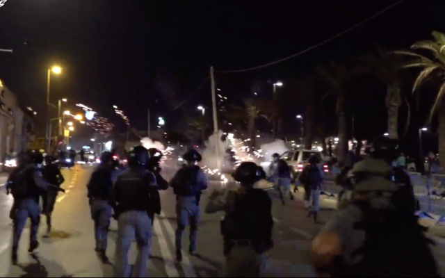 Police prepare to confront protesters in Jaffa on July 19, 2020. (Israel Police)