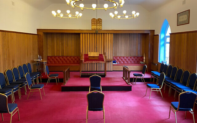 Illustrative: The Jersey synagogue socially distanced its chairs for its first Shabbat service since the start of the pandemic. (Courtesy of the Jersey Jewish Congregation via JTA)
