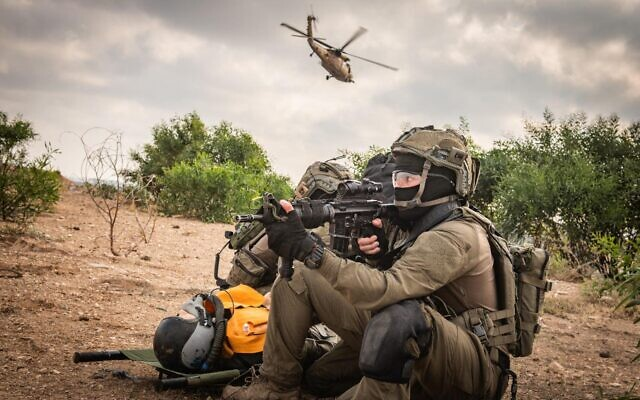 Soldiers from the Israeli Air Force's elite Unit 669 take part in an exercise in an undated photograph. (Israel Defense Forces)