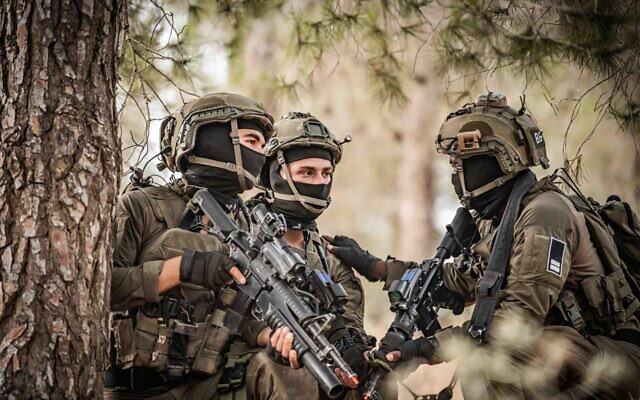 Soldiers from the Israeli Air Force's elite Shaldag Unit take part in an exercise in an undated photograph. (Israel Defense Forces)