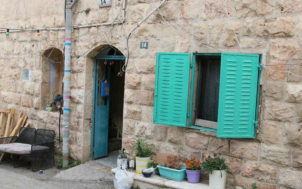The narrow Baram street in the Shaarei Rahamim quarter of Jerusalem's Nahlaot neighborhood. (Shmuel Bar-Am)