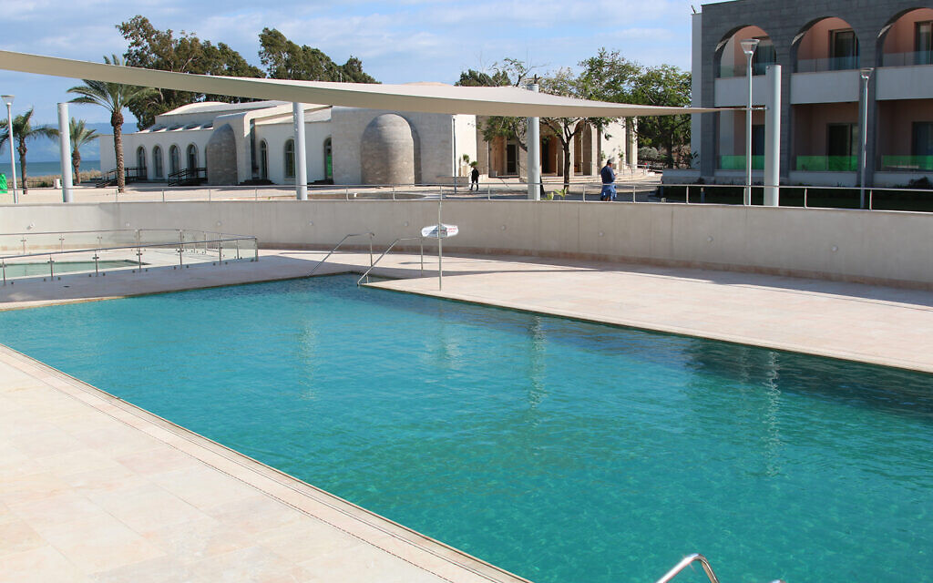 The pool at the Magdala Guesthouse in northern Israel, near the Eli Cohen trail. (Shmuel Bar-Am)