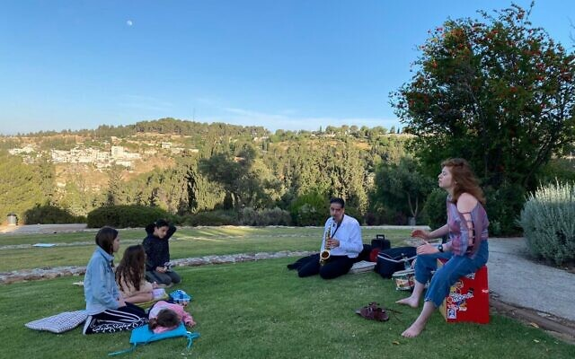 The weekly meetings of Tzomet Lev, created by the Mekudeshet Festival for the 2020 summer season, as a way to bring together Jewish and Arab residents of southern Jerusalem (Courtesy Mekudeshet)