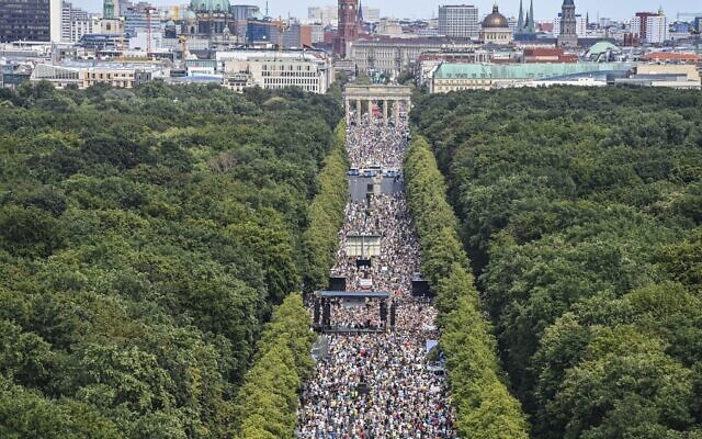 Berlin police order break-up of rally against coronavirus curbs