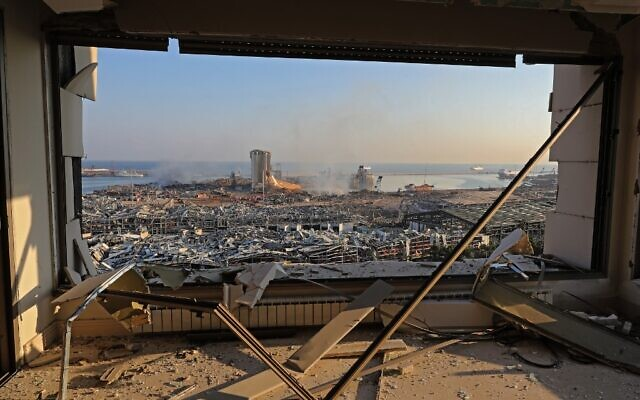 A view shows the aftermath of the previous day's blast at the port of Lebanon's capital Beirut, on August 5, 2020. (Photo by Anwar AMRO / AFP)