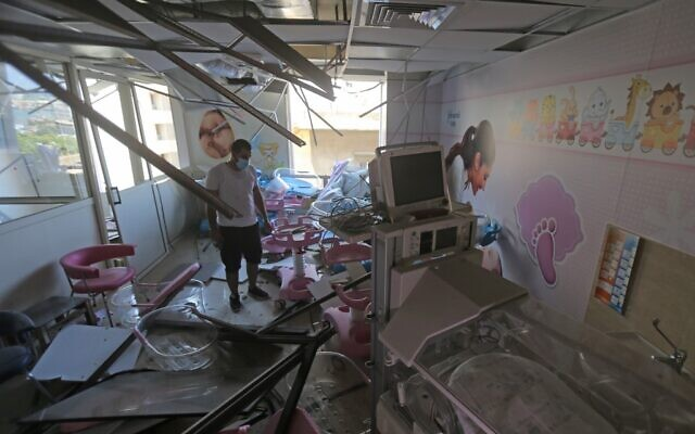 The damaged Wardieh hospital is pictured in the aftermath of the previous day's blast that tore through Lebanon's capital and resulted from the ignition of a huge depot of ammonium nitrate at the port, on August 5, 2020. (Photo by STR / AFP)