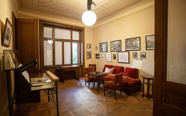 The waiting room in the ordination of the psychologist Sigmund Freud in Vienna, Austria on August 26, 2020 (ALEX HALADA / AFP)