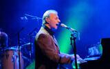 Israeli musician Matti Caspi performs in Gush Etzion on December 10, 2015.(Gershon Elinson/Flash 90)