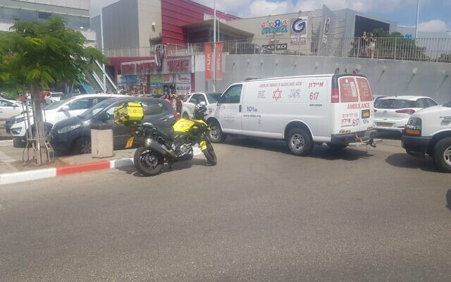 The scene of a deadly traffic accident in Rishon Lezion on August 21, 2020. (Magen David Adom)