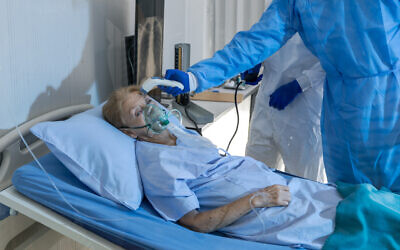 Illustrative: An elderly patient is treated for coronavirus (iStock)