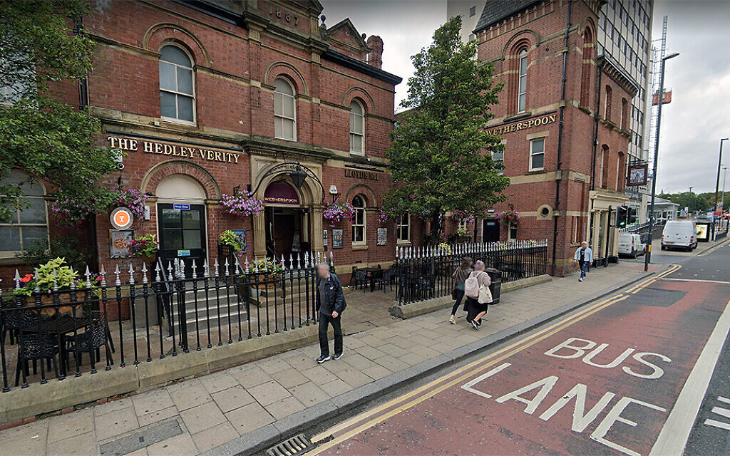Pub patron in England tells Jewish student: 'We should've gassed the lot of you'