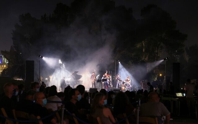 A band performs a tribute to Amit Golan, an Israeli pianist who passed away in 2010, during the Jerusalem Jazz Festival in Jerusalem on September 8, 2020. (Photo by EMMANUEL DUNAND / AFP)