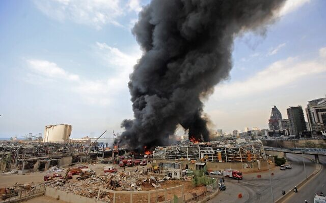 Lebanese firefighters try to put out a fire that broke out at Beirut's port area, on September 10, 2020 (ANWAR AMRO / AFP)