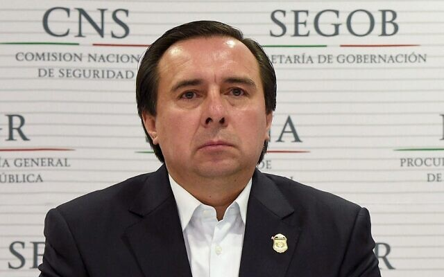 Then-director of the Criminal Investigation Agency of Mexico Tomas Zeron listens during a press conference at the Attorney General building in Mexico City, on October 27, 2014. (Alfredo Estrella/AFP)