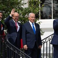 (L-R) UAE Foreign Minister Abdullah bin Zayed Al-Nahyan, Bahrain Foreign Minister Abdullatif al-Zayani, Israeli Prime Minister Benjamin Netanyahu, and US President Donald Trump, wave on the South Lawn of the White House after they participated in the signing of the Abraham Accords where the countries of Bahrain and the United Arab Emirates recognize Israel, in Washington, DC, September 15, 2020. (SAUL LOEB / AFP)