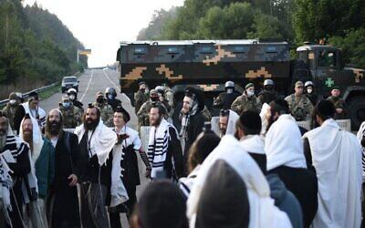 Jewish pilgrims stuck between the Belarusian and Ukrainian border crossings, September 16, 2020. (TUT.BY/AFP)