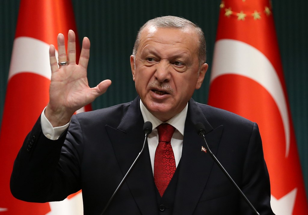 As Macron moves against Islamists, Erdogan says he needs 'mental checks' |  The Times of Israel