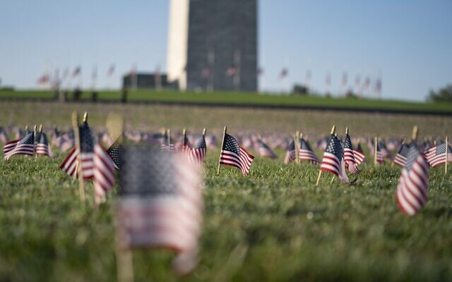 A memorial for people who have died as a result of of covid-19 is seen on the National Mall on September 22, 2020 in Washington, DC. (Alex Edelman / AFP)