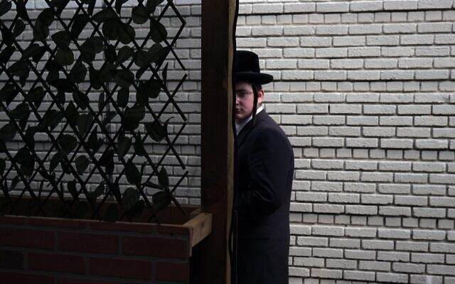 Illustrative photo: Preparations are made for an evening meal at Masbia, a nonprofit soup kitchen and food pantry in a Hasidic neighborhood in Brooklyn on September 18, 2020 in New York City. (Spencer Platt/Getty Images/AFP)