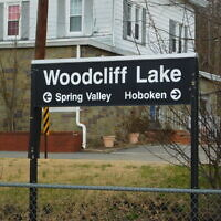 Woodcliff Lake train station. (Adam Moss/ Flickr/ CC BY-SA)