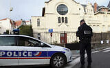 Illustrative -- French police officer guards the synagogue of Biarritz, southwestern France, Jan. 13, 2015 (AP Photo/Bob Edme)