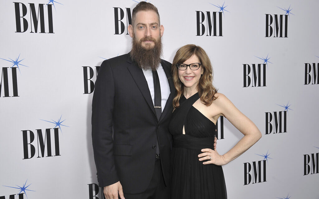 Lisa Loeb, right, and Roey Hershkovitz arrive at the 67th annual BMI Pop Awards on Tuesday, May 14, 2019, at the Beverly Wilshire Hotel in Beverly Hills, Calif. (Photo by Richard Shotwell/Invision/AP)