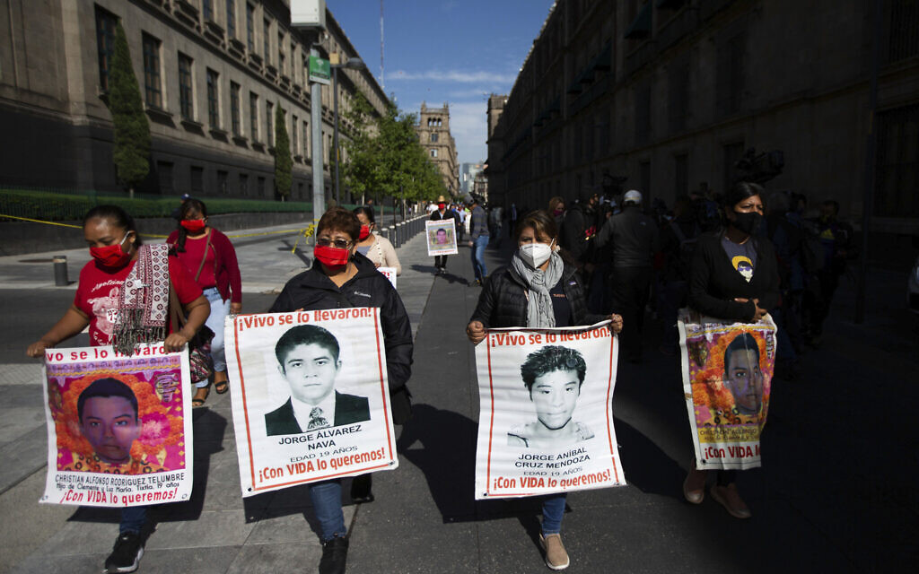 Mexico asks Israel to detain ex-investigator in probe into missing 43 students