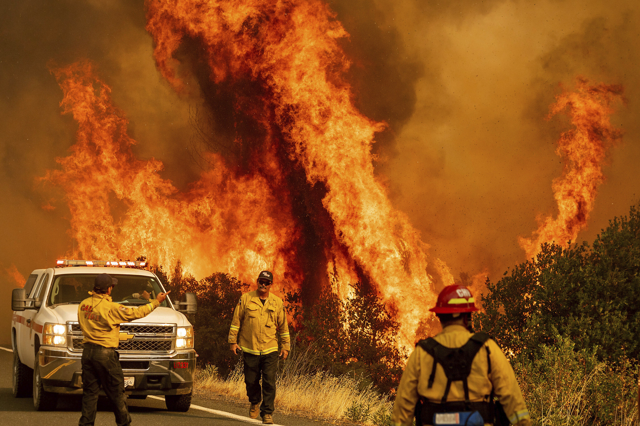 Firefighter killed at wildfire in Northern California forest