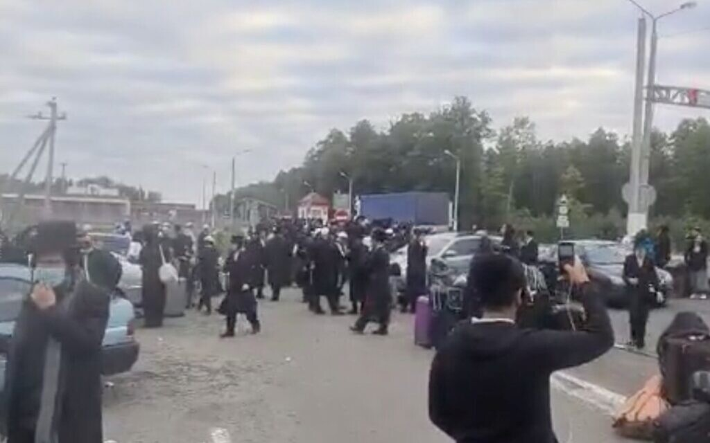 At least 1,000 Hasidim said stuck on Ukraine-Belarus border in pilgrimage chaos