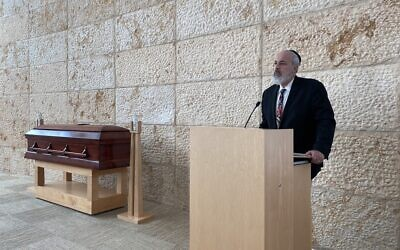 David Jacobson in the sanctuary of Chicago Jewish Funerals, September 2020. (Silvio Ribeiro)