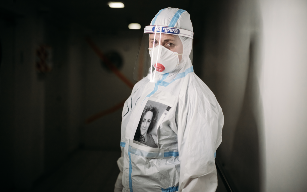A staff member at Haifa's Bnai Zion Medical Center during the 2020 coronavirus. (courtesy, Micha Brikman)