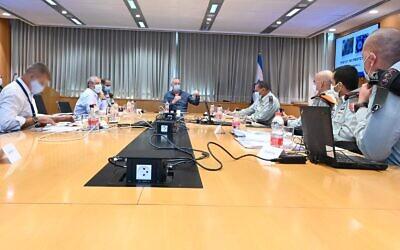 Defense Minister Benny Gantz at a meeting to assessment the Israel Defense Force's treatment of the coronavirus, September 21, 2020 (Ariel Harmoni/Defense Ministry)